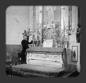 32. Oltarz boczny